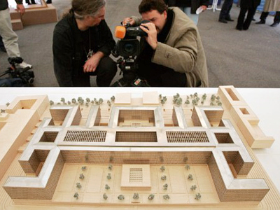 Journalists check out a mock up of the new headquarters of Germany's intelligence agency, the Bundesnachrichtendienst (BND - Federal Intelligence Service) (AFP Photo / Getty Images)