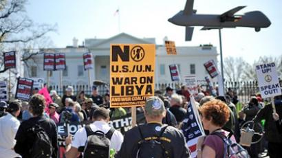 US, Washington: Anti-war protesters take part in a demonstration in front of the White House in Washington, DC, on March 19, 2011. (AFP Photo / Jewel Samad)