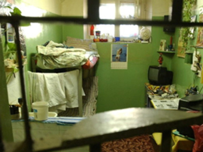 Lithuania, Vilnius: View of one of the cells, 12 march 2004 in the Lukiskiu prison in Vilnius. (AFP Photo / Eric Feferberg)