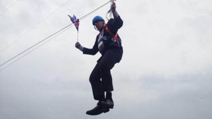 London mayor boris johnson gets stuck on zip wire video photos