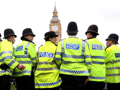 Policemen and women line-up on Parliament Square (Reuters/Eddie Keogh)