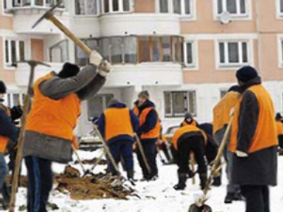 Migrant workers face jobs axe