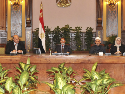Morsi to relinquish expanded powers, hold referendum as planned