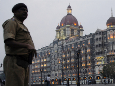 Mumbai hotels re-open after deadly attacks