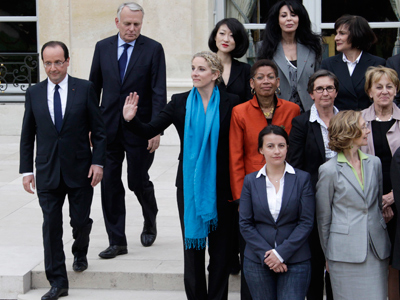 Hol-la-lande! French cabinet shows who wears the pants (PHOTOS)