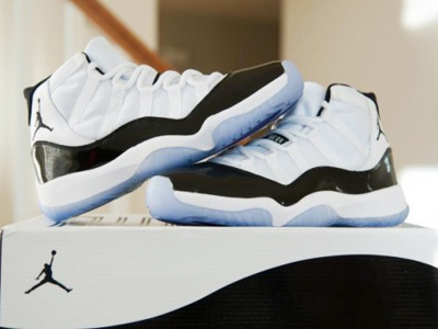 Air Jordan XI Retro Concords