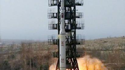 A Unha-2 rocket, supposedly carrying a communication satellite Kwangmyongsong-2, as being launched in North Korea on April 5, 2009. A launch of a weather satellite Kwangmyongsong-3 is scheduled for April 15, 2012 (AFP Photo / KCNA via KNS)