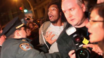 Police arrest an Occupy Wall Street protester during a demonstration to show support for their counterparts in Oakland, California on October 26, 2011 in New York City (Spencer Platt / Getty Images / AFP)