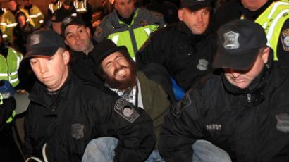 Boston Police Department officers remove Occupy Boston protesters from Dewey Square in Boston, December 10, 2011 (Reuters / Essdras M Suarez / Pool)