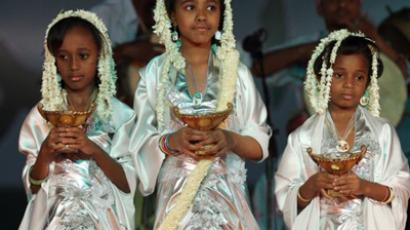 "Saudi girls perform at the ""Spring Al-Riyadh"" festival. (AFP Photo / Hassan Ammar)"