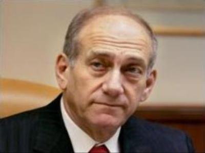 Olmert survives no-confidence votes