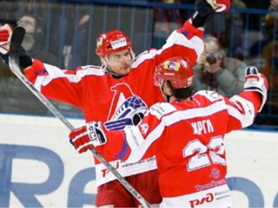 One step hedges Lokomotiv off KHL finals