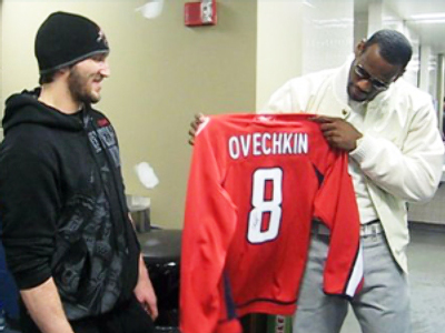 Ovechkin presents LeBron with jersey