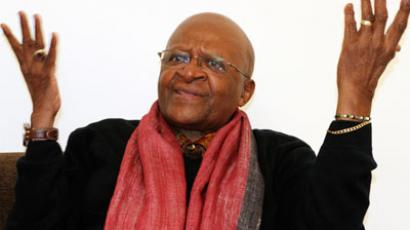 South African Archbishop and Nobel Laureate Desmond Tutu speaks during an interview with Reuters in New Delhi February 8, 2012.(Reuters / B Mathur)