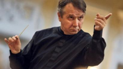 Picture taken on May 12, 2010 shows Famed Russian conductor Mikhail Pletnev conducting a concert in Moscow (AFP Photo / Kommersant / Dmitry Lekay)