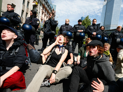 "Police arrest 400 ""Blockupy"" activists as tensions rise in Frankfurt (PHOTOS)"