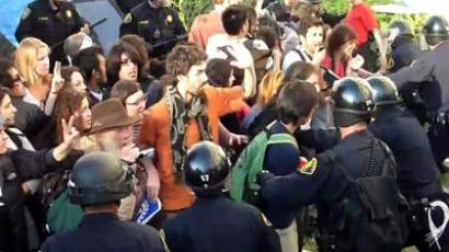 Cops pepper-spray Canada students furious at fee hike