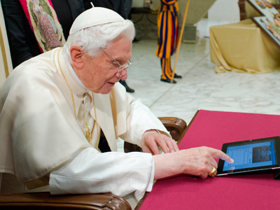 Social mass media: Pope urges online evangelism, launches own app