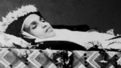 Sister Alphonsa in her coffin (image from www.alphonsa.com)