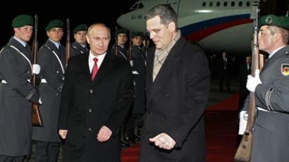 Russian Prime Minister Vladimir Putin at Berlin airport on November 25, 2010 (RIA Novosti / Aleksey Nikolsky)