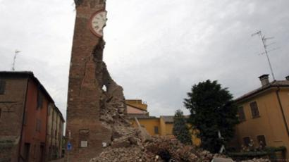 Cars are damaged after a tower collapsed following an earthquake on May 20, 2012 in Finale Emila (AFP Photo / Pierr Teyssot)