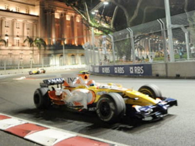 Renault's Nelson Piquet during the final practice session at the Singapore Grand Prix, 2008 (AFP Photo / Roslan Rahman)