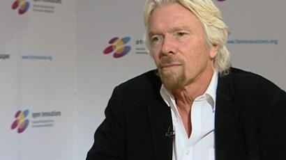 RT's correspondent Marina Kosareva spoke to Richard Branson on the sidelines of a business forum in Moscow. (Image from RT video)