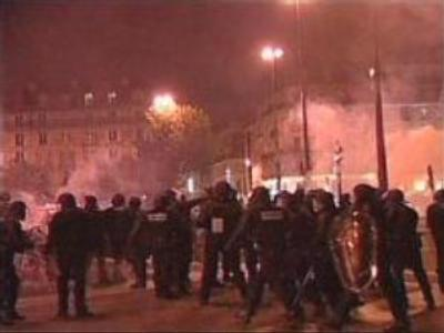 Riots calm down in France