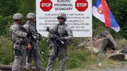 Jarinje: KFOR soldiers stand guard at Jarinje border crossing between Serbia and Kosovo. (AFP Photo / Sasa Djordjevic)