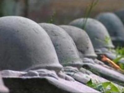 Russia concerned at decision to demolish Soviet memorials