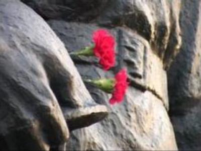 Russia condemns Estonian law against Soviet memorials