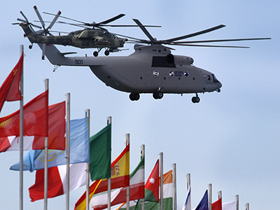 Mi-26 and Mi-28 helicopters in flight. (Reuters / Sergei Karpukhin)