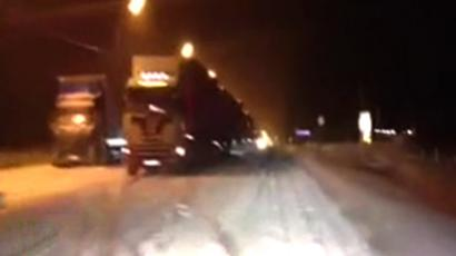 200km-long traffic jam paralyzes Russian freeway
