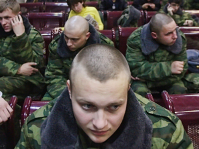 Russian soldiers suspected of extorting blood from new recruits