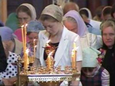 Russian believers pay respect to Apostle Luca's remains