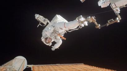 ISS crew makes second spacewalk to install equipment for experiments