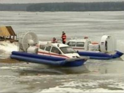 Russian fishermen take risks despite warnings