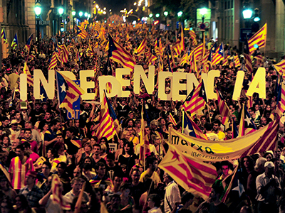 Supporters of independence for Catalonia demonstrate on September 2012. (AFP Photo / Lluis Gene)