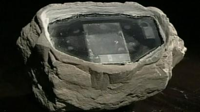 Transceiver disguised as rock used by British spies in Russia in 2006