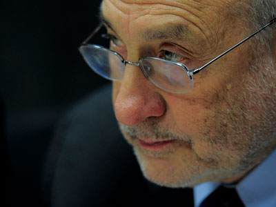 Nobel laureate censures US, EU at Davos over equality-busting policies