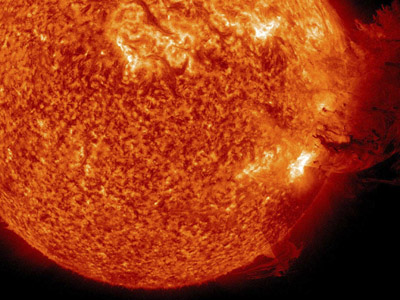 Techno-disaster alert: Massive sun storm reaches Earth