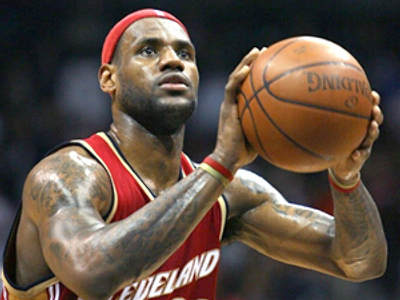 LeBron James (AFP Photo / Andy Lyons)