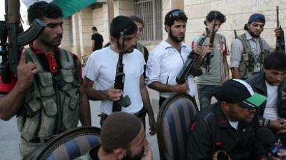 FSA moves HQ from Turkey to Syria to prepare offensive against Assad