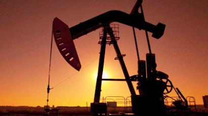 The EU is to impose an oil embargo on Syria.