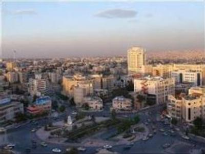 Thousands of Iraqis flee to Jordan