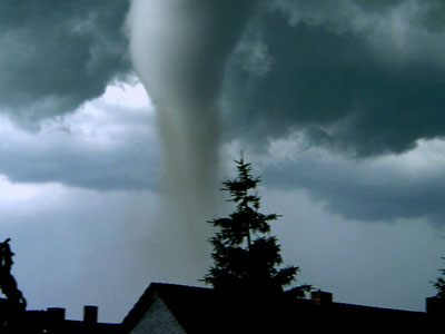 Man-made tornadoes may produce green energy (PHOTOS)