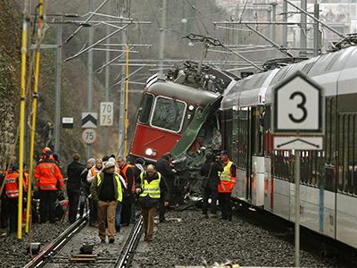 17 injured in Swiss train collision