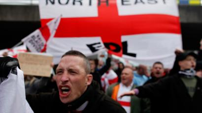 Members of the far-right English Defense League (AFP Photo / Tal Cohen)