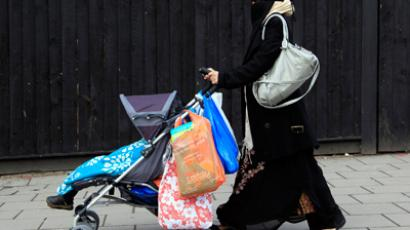 A Muslim woman walks in east London (Reuters/Stefan Wermuth)
