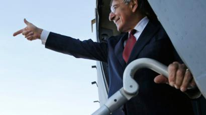 US Secretary of Defense Leon Panetta gestures as he prepares to depart Tripoli, December 17, 2011 (Reuters / Pablo Martinez Monsivais / Pool)